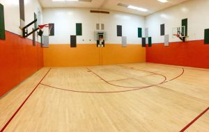 Basketball court at Vermont Sport & Fitness